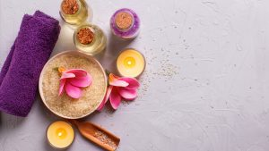 Salz mit Kerzen in der Kosmetik 1Plus in Köln Porz