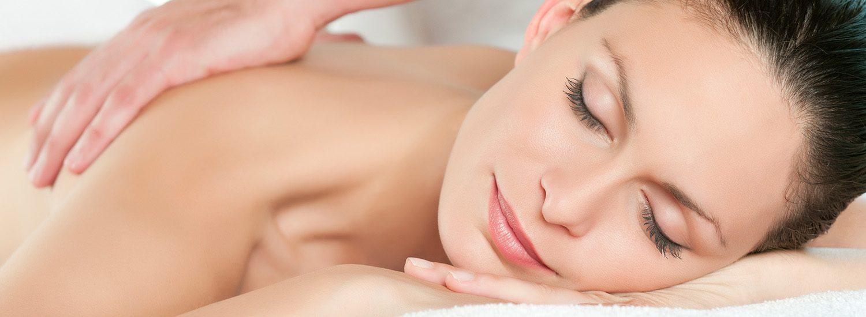 Massage von dem Team der Kosmetik 1Plus in Köln Porz