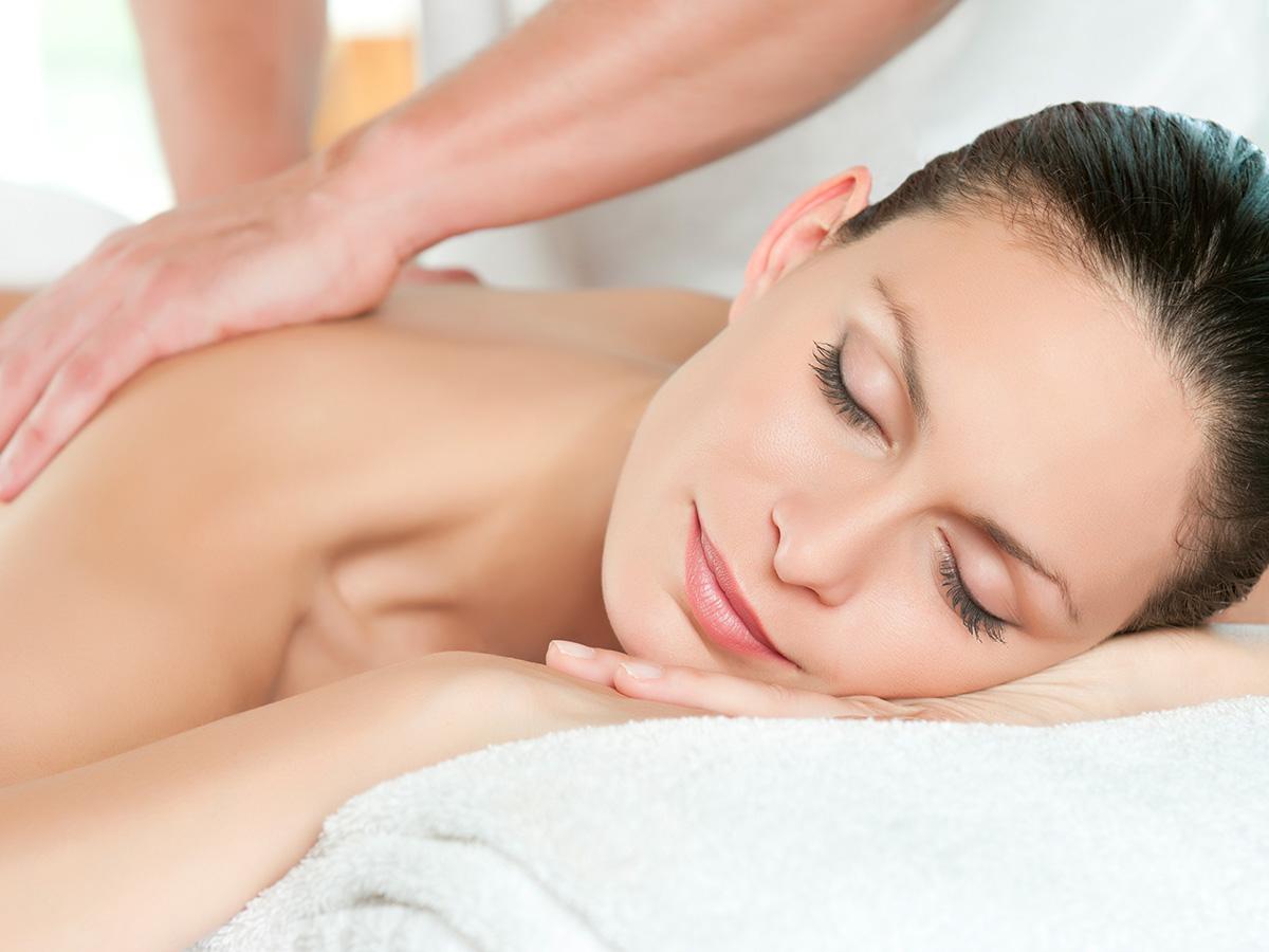 Massagen von der Kosmetik 1Plus in Köln Porz